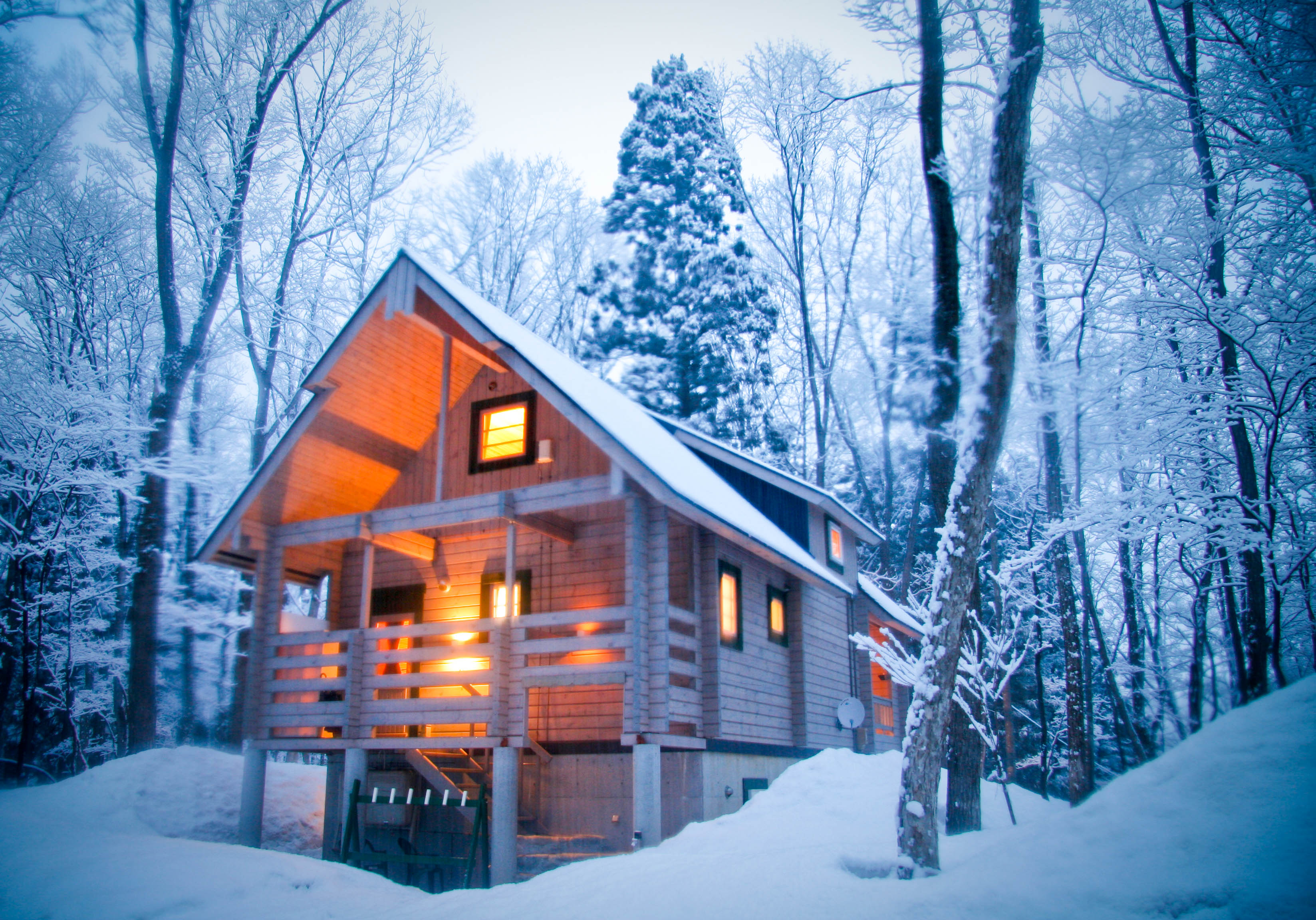 Yuki chalet morino lodge accommodation in hakuba japan for Ski cottage
